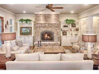 40 Awesome Fireplace Makeover For Farmhouse Home Decor (30)