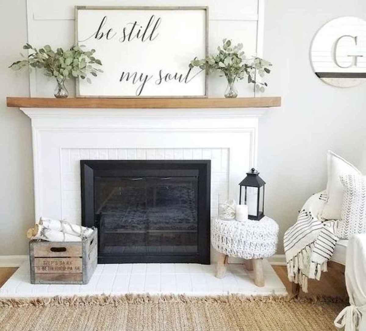 50 Modern Farmhouse Dining Room Decor Ideas 35: 40 Best Modern Farmhouse Fireplace Mantel Decor Ideas (26