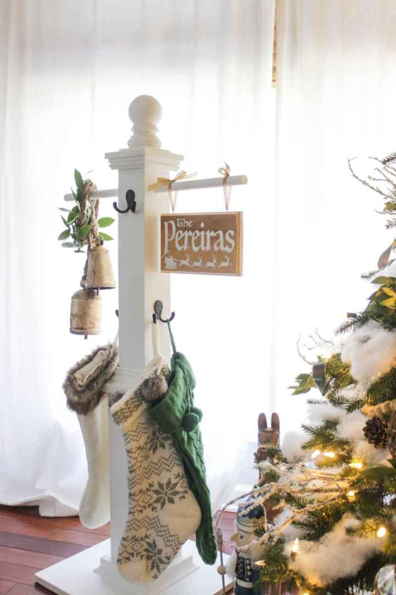 60 Awesome Farmhouse Christmas Decorating Ideas And Makeover (12)