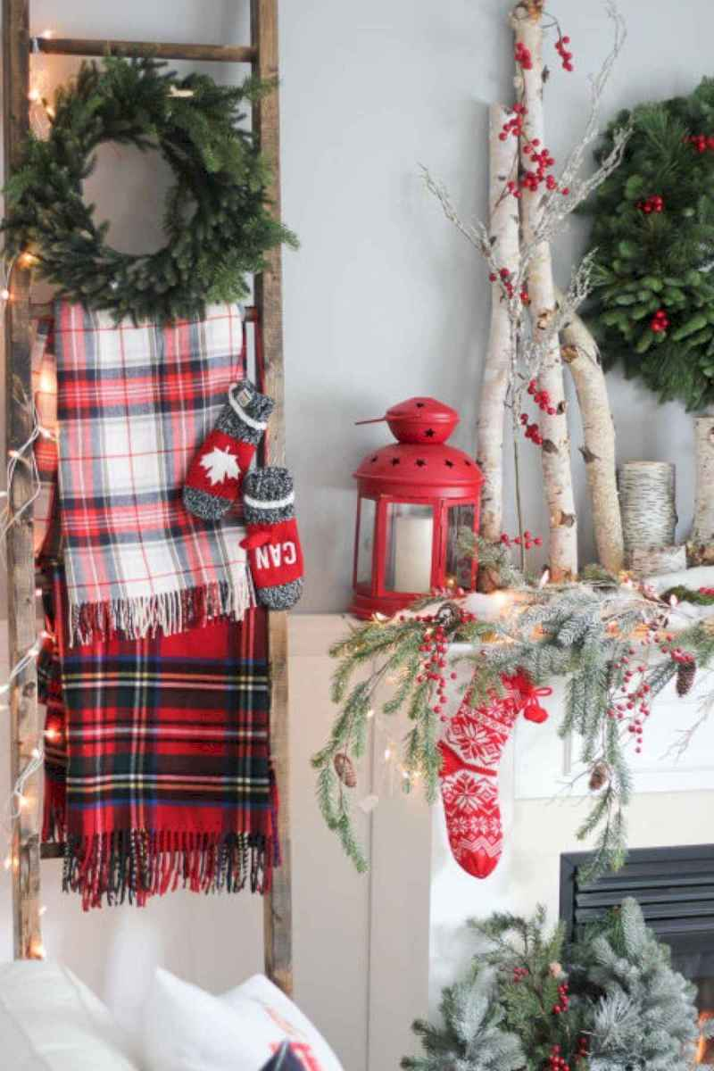 60 Awesome Farmhouse Christmas Decorating Ideas And Makeover (20)