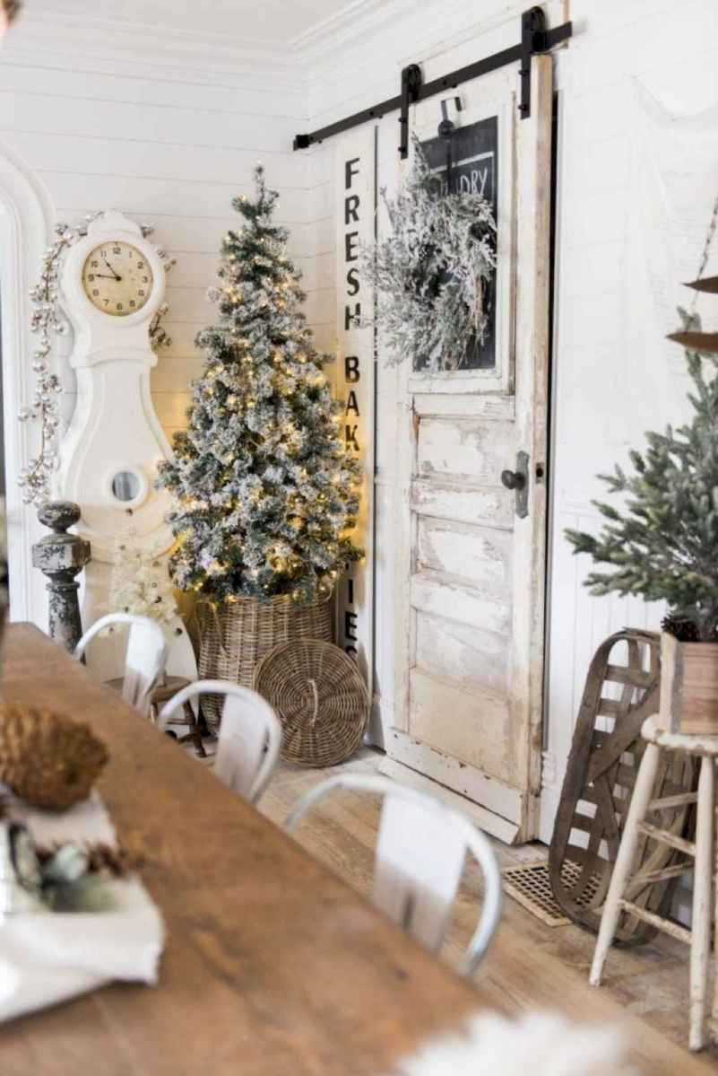 60 Awesome Farmhouse Christmas Decorating Ideas And Makeover (21)