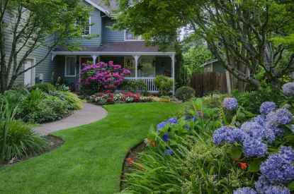 40 Inspiring Front Yard Landscaping Ideas (34)