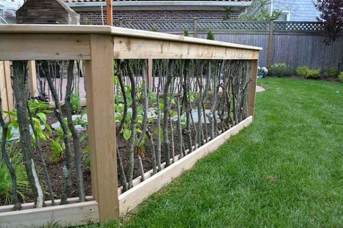 40 Unique Garden Fence Decoration Ideas (13)