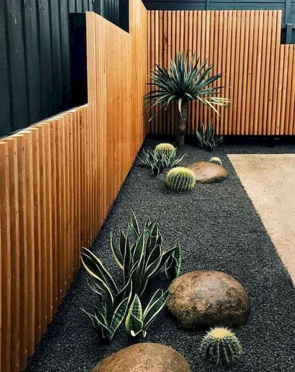 40 Unique Garden Fence Decoration Ideas (26)