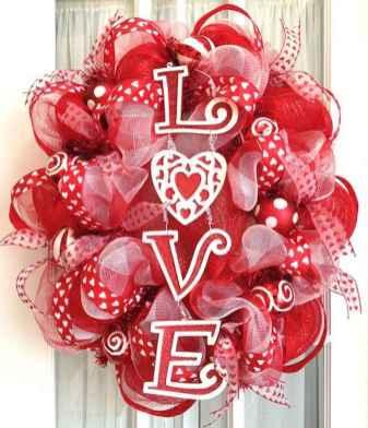 25 Easy DIY Valentines Wreath Ideas (35)