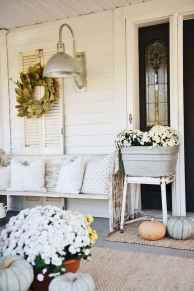 40 Awesome Farmhouse Porch Design Ideas And Decorations (16)