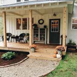40 Awesome Farmhouse Porch Design Ideas And Decorations (30)