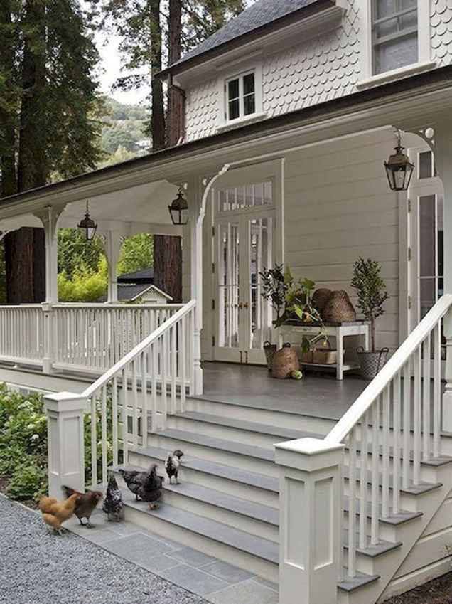 40 Awesome Farmhouse Porch Design Ideas And Decorations (42)