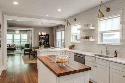 40 Best Farmhouse Kitchen Cabinets Design Ideas (30)