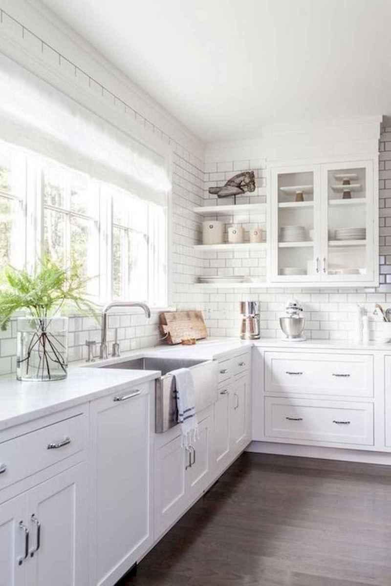 50 Best White Kitchen Design Ideas To Inspiring Your Kitchen (23)