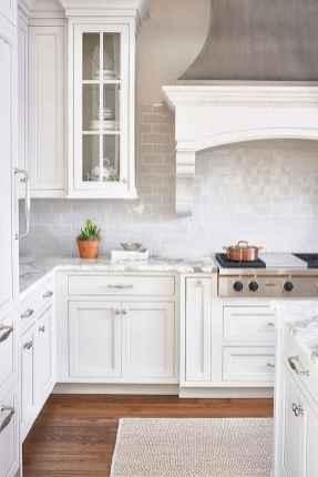 50 Best White Kitchen Design Ideas To Inspiring Your Kitchen (26)