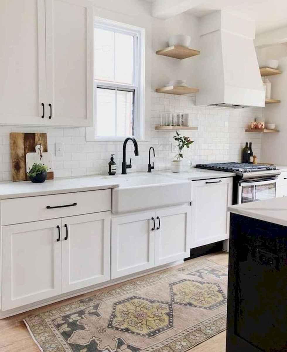 50 Best White Kitchen Design Ideas To Inspiring Your Kitchen (28)