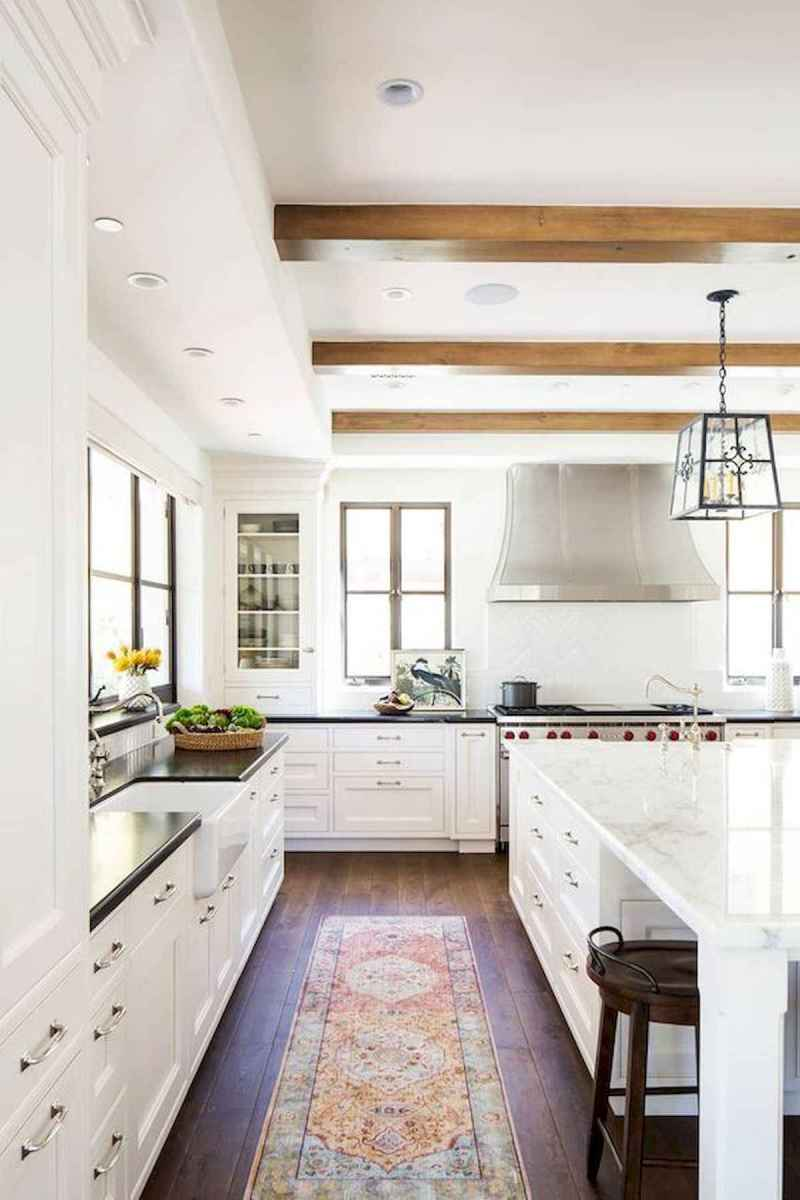50 Best White Kitchen Design Ideas To Inspiring Your Kitchen (33)