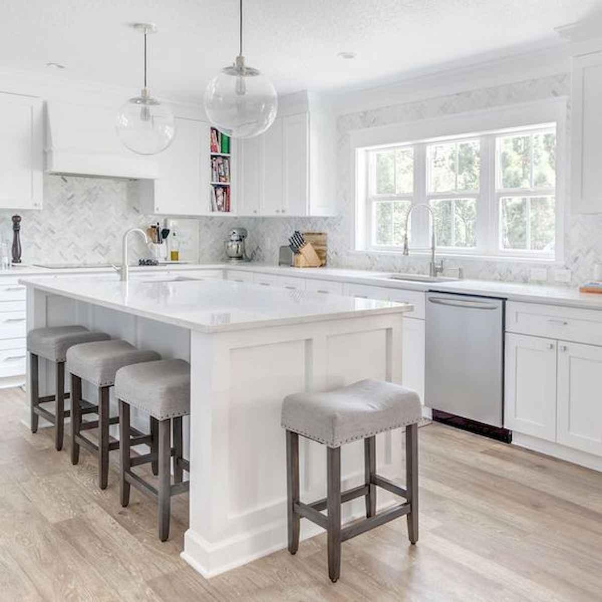 50 Best White Kitchen Design Ideas To Inspiring Your Kitchen (39)