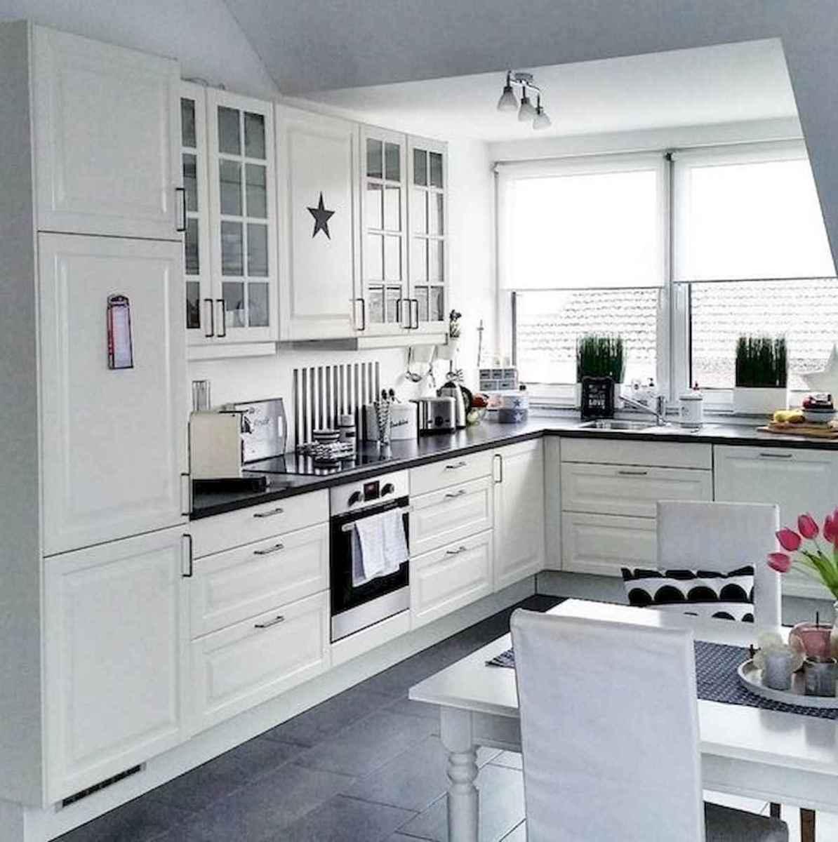 50 Best White Kitchen Design Ideas To Inspiring Your Kitchen (40)