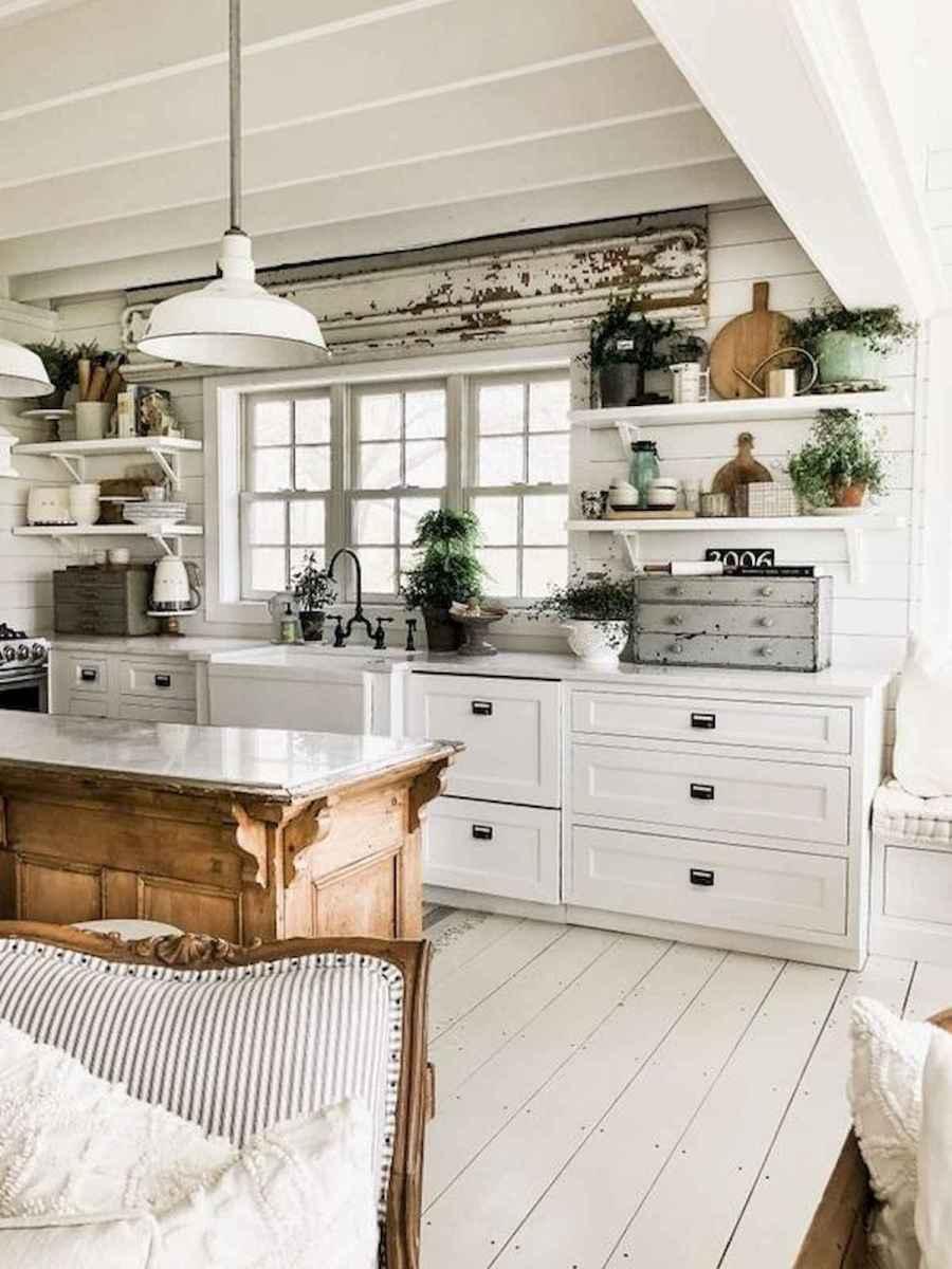 50 Best White Kitchen Design Ideas To Inspiring Your Kitchen (42)