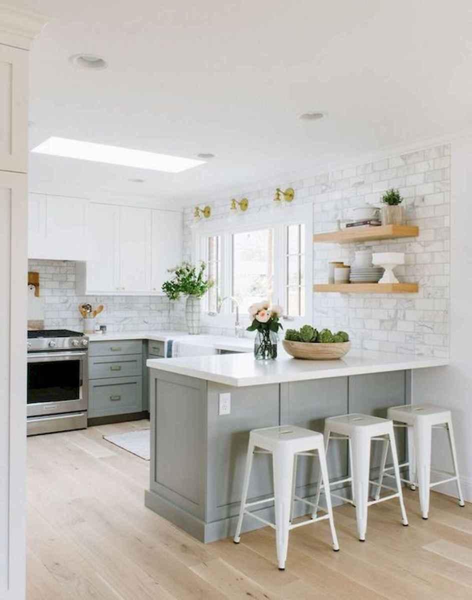 50 Best White Kitchen Design Ideas To Inspiring Your Kitchen (45)