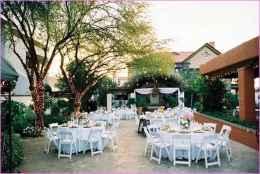 44 Stunning Backyard Wedding Decor Ideas On A Budget (43)
