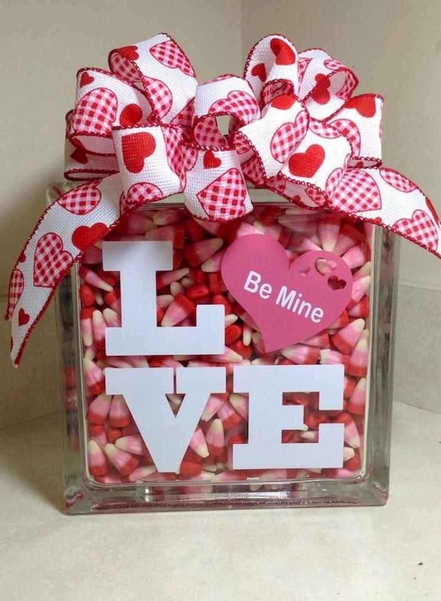 50 Romantic Valentines Day Decor Ideas (22)
