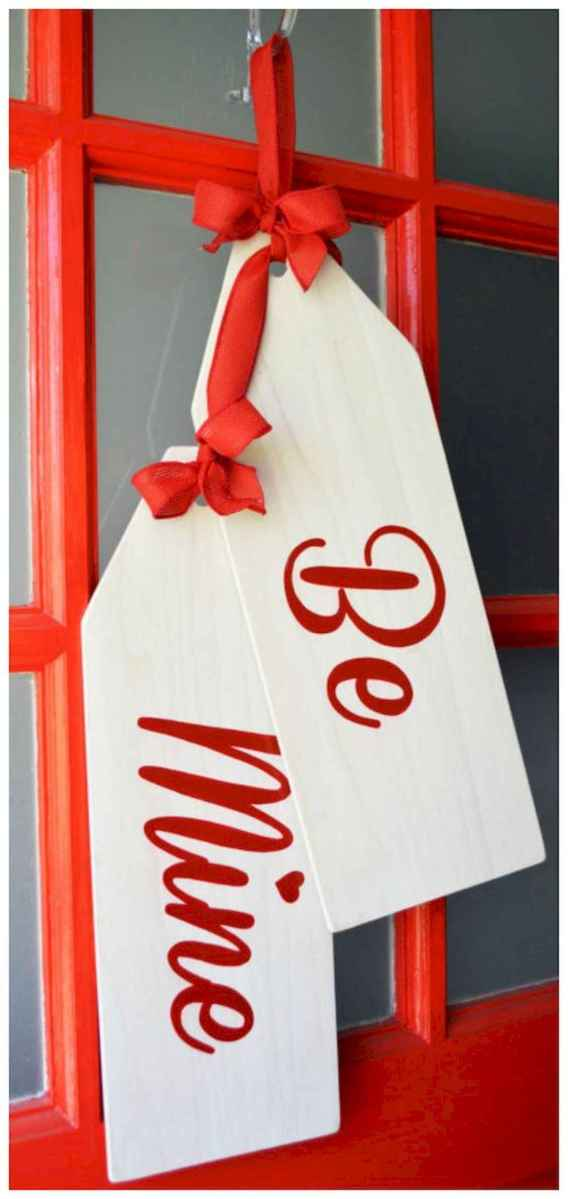 50 Romantic Valentines Day Decor Ideas (26)