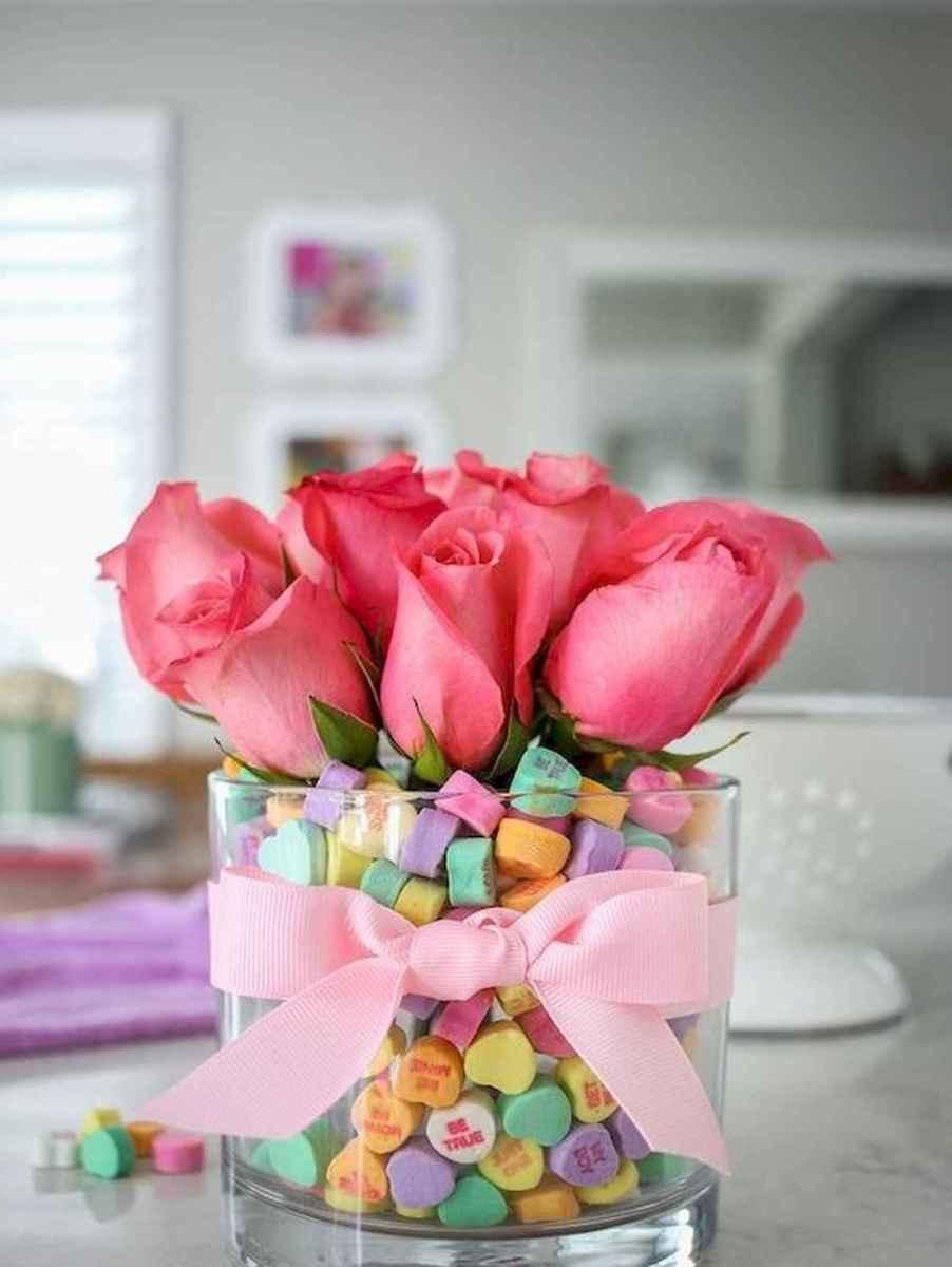 50 Romantic Valentines Day Decor Ideas (3)