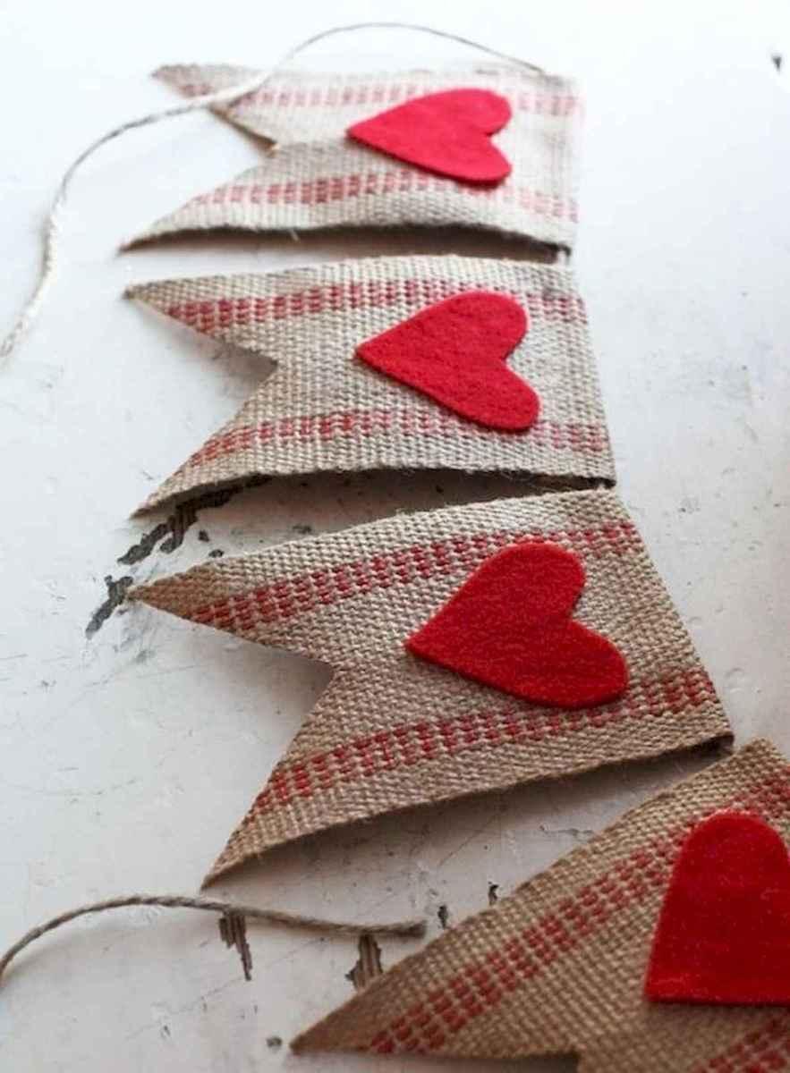 50 Romantic Valentines Day Decor Ideas (4)