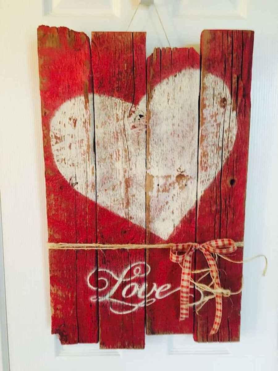 50 Romantic Valentines Day Decor Ideas (43)