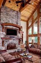 60 Stunning Log Cabin Homes Fireplace Design Ideas (17)