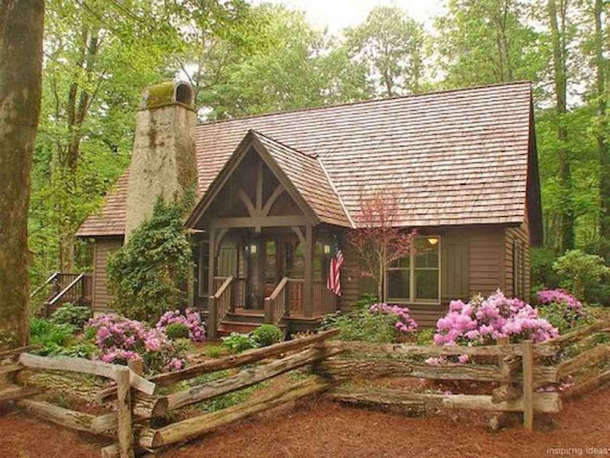 70 Fantastic Small Log Cabin Homes Design Ideas (2)