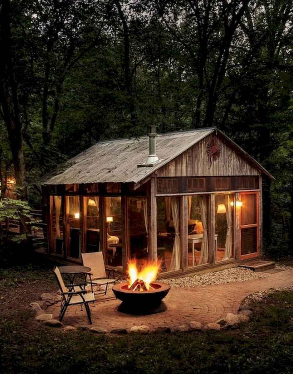 70 Fantastic Small Log Cabin Homes Design Ideas (27)