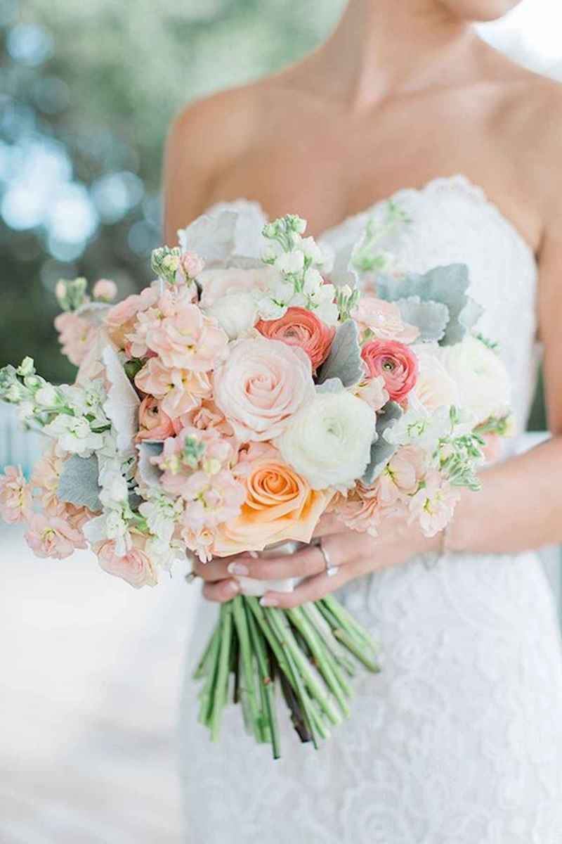 50 Beautiful Spring Bridesmaid Bouquets for Wedding Ideas (37)