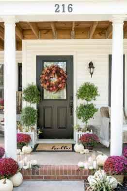 50 Beautiful Spring Decorating Ideas for Front Porch (25)