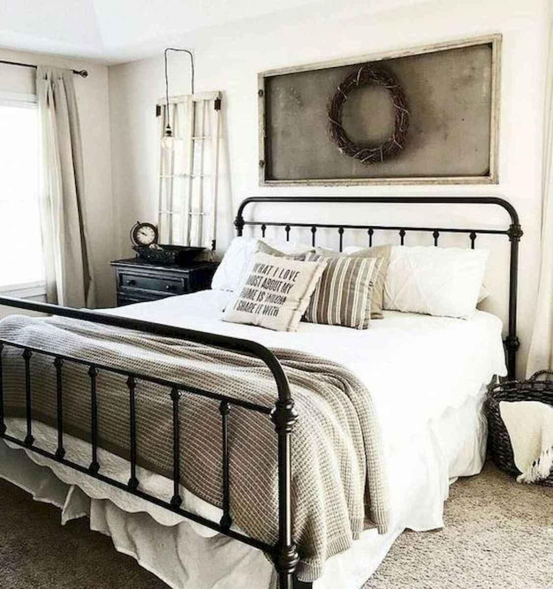50 Favorite Bedding for Farmhouse Bedroom Design Ideas and Decor (4)