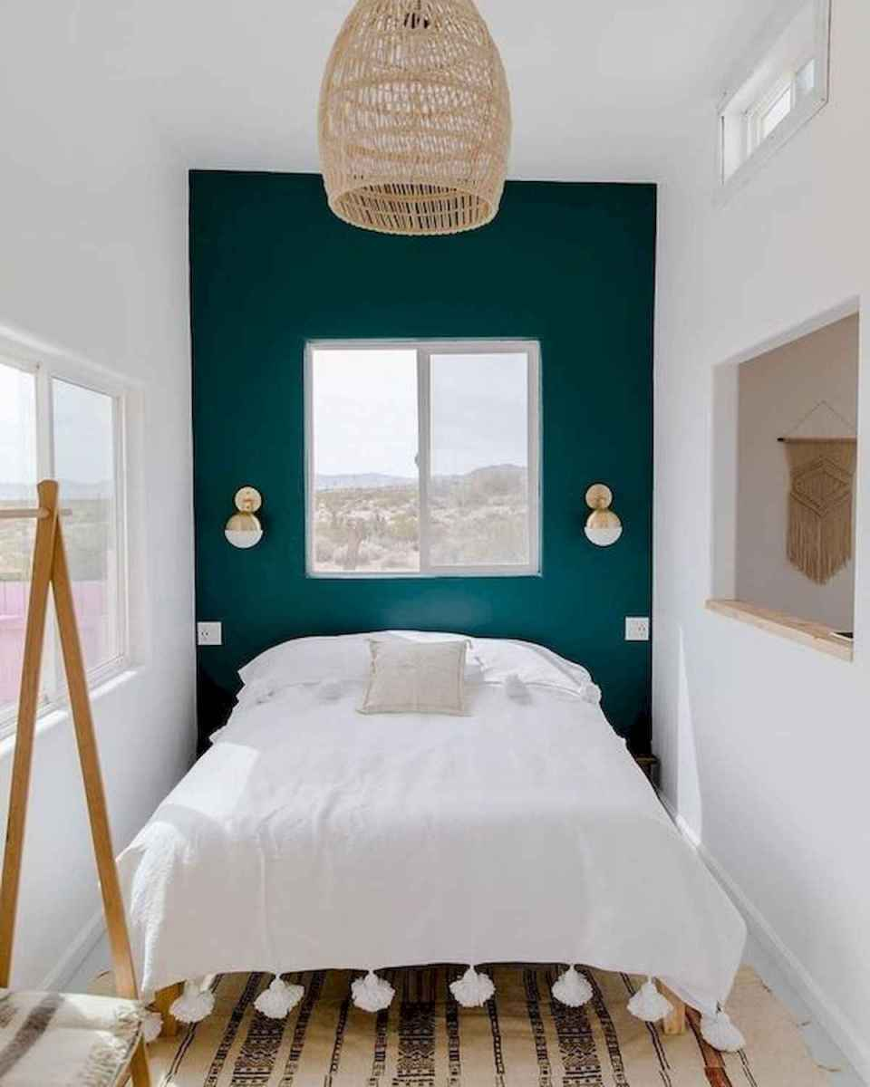 50 Stunning Small Apartment Bedroom Design Ideas and Decor (31)