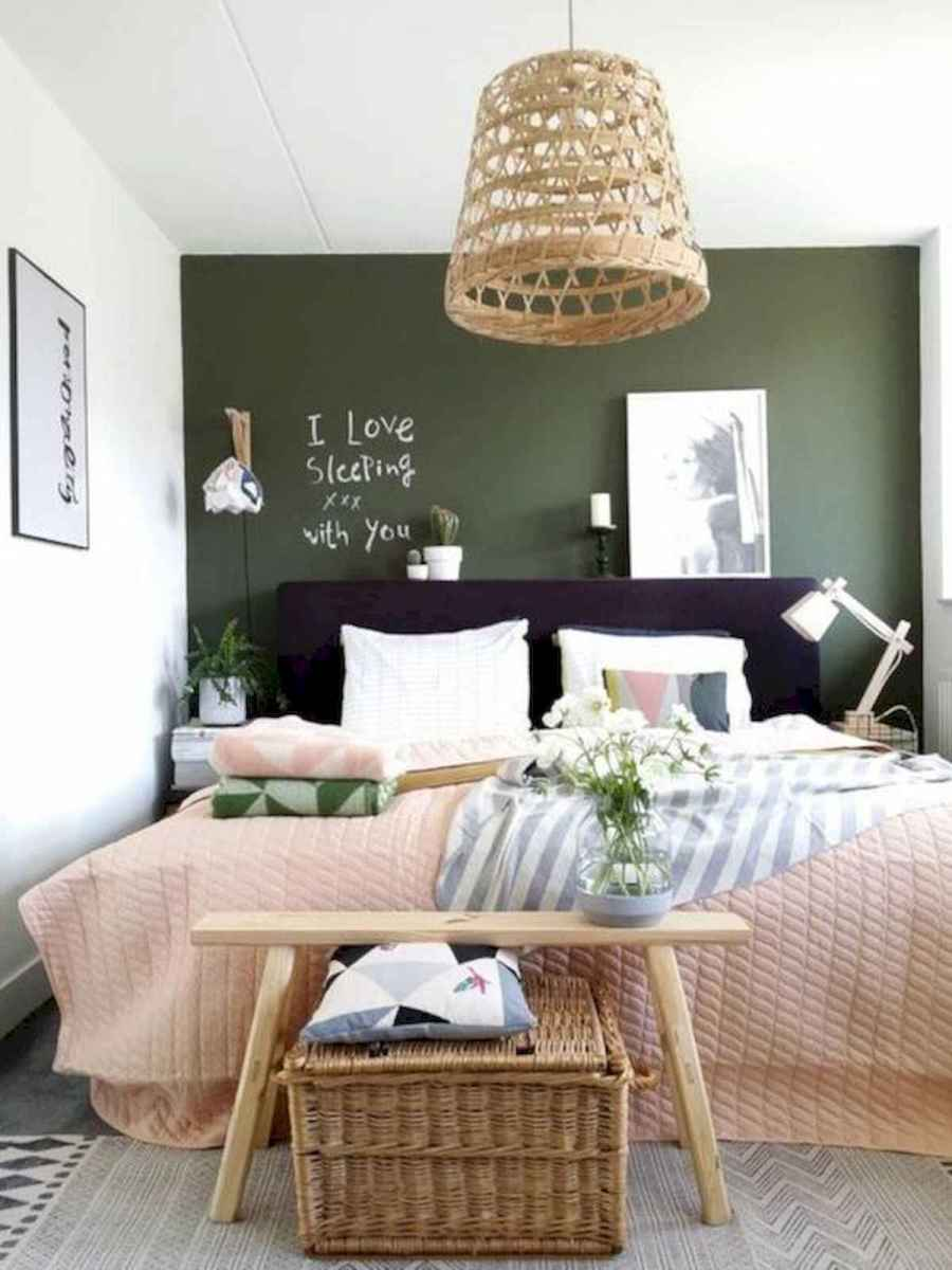 50 Stunning Small Apartment Bedroom Design Ideas and Decor (34)