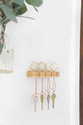 60 Fantastic DIY Projects Pallet Key Rack Design Ideas (26)