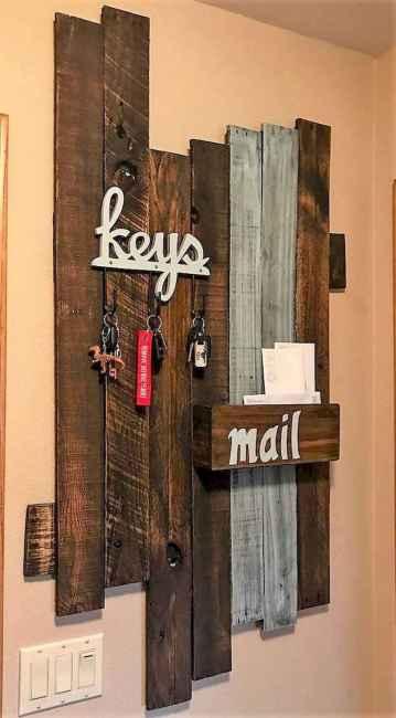 60 Fantastic DIY Projects Pallet Key Rack Design Ideas (38)