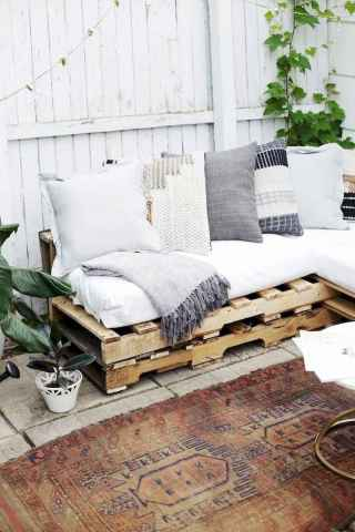 60 Stunning DIY Projects Pallet Sofa Design Ideas (51)