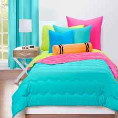 70+ Amazing Colorful Bedroom Decor Ideas And Remodel for Summer Project (67)