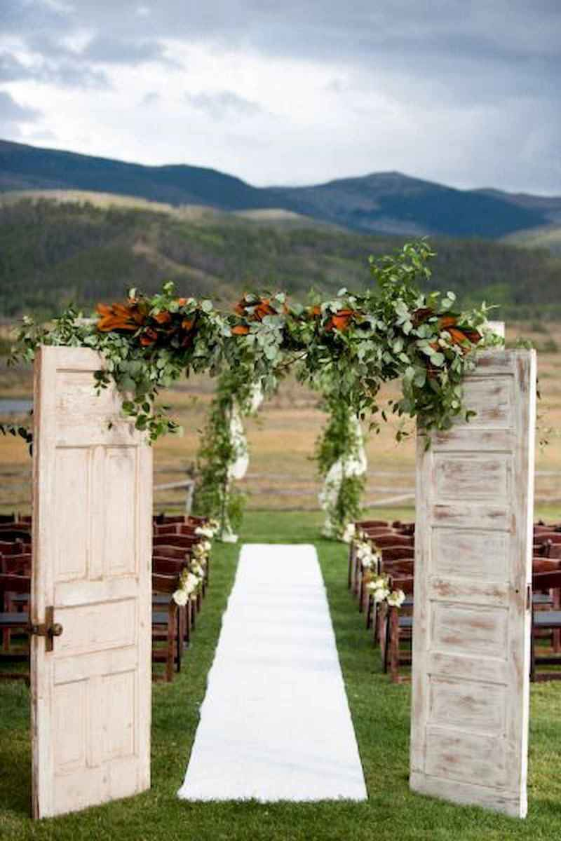 70 Beautiful Outdoor Spring Wedding Ideas (11)