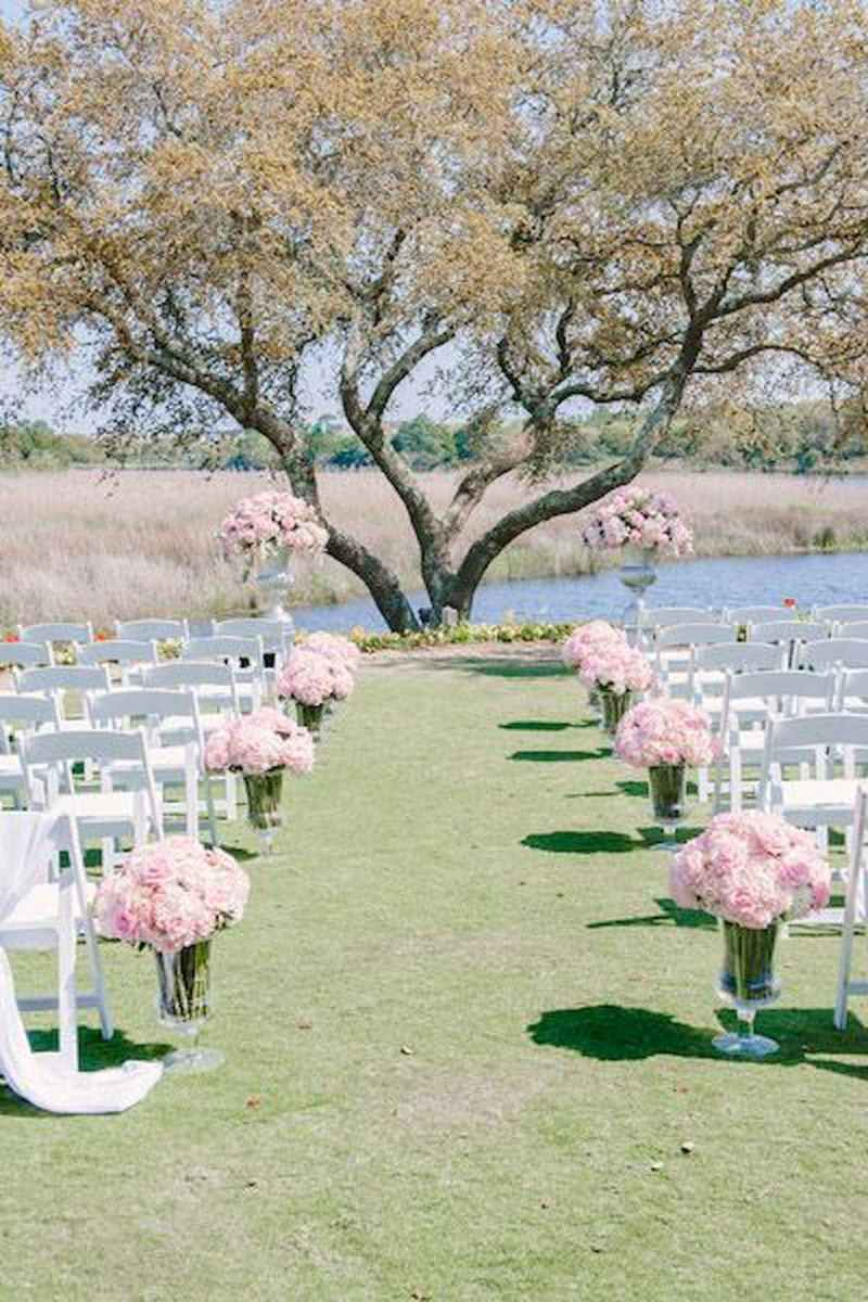 70 Beautiful Outdoor Spring Wedding Ideas (9)