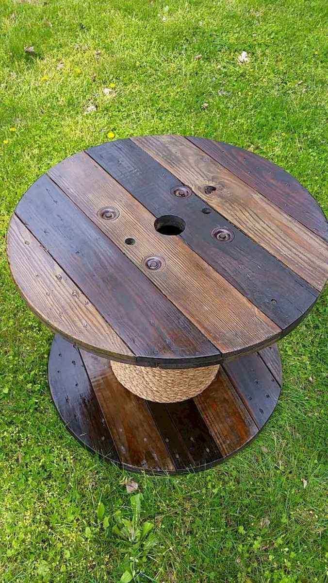 70 Suprising DIY Projects Mini Pallet Coffee Table Design Ideas (44)