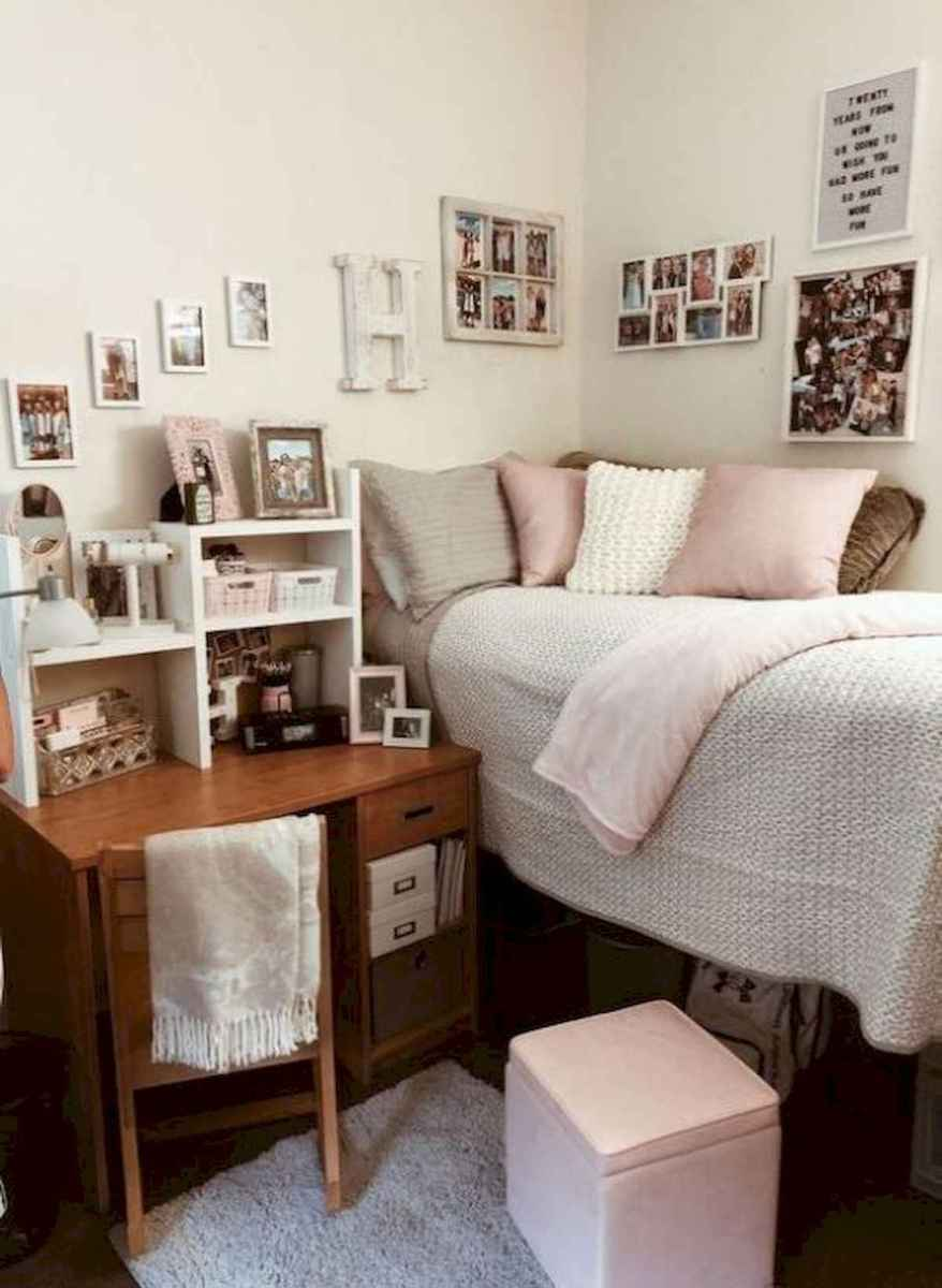 80 Fantastic Small Apartment Bedroom College Design Ideas and Decor (19)