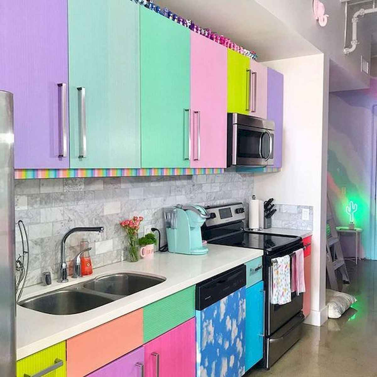80+ Favorite Colorful Kitchen Decor Ideas And Remodel for Summer Project (69)