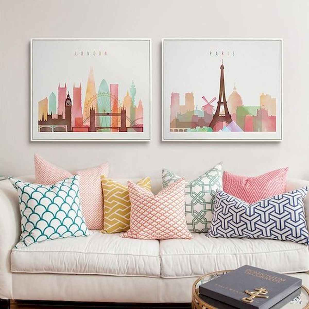 80+ Stunning Colorful Living Room Decor Ideas And Remodel for Summer Project (1)