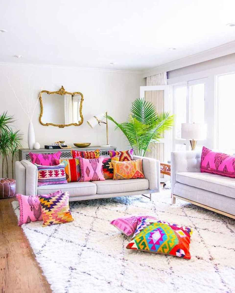 80+ Stunning Colorful Living Room Decor Ideas And Remodel for Summer Project (22)