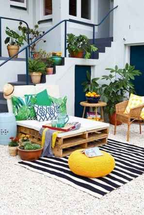 80+ Stunning Colorful Living Room Decor Ideas And Remodel for Summer Project (63)