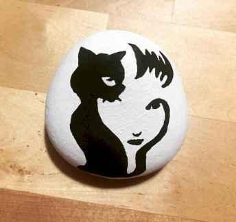 50 Inspiring DIY Painted Rocks Animals Cats for Summer Ideas (23)