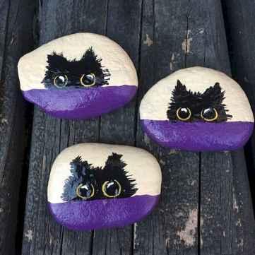 50 Inspiring DIY Painted Rocks Animals Cats for Summer Ideas (38)
