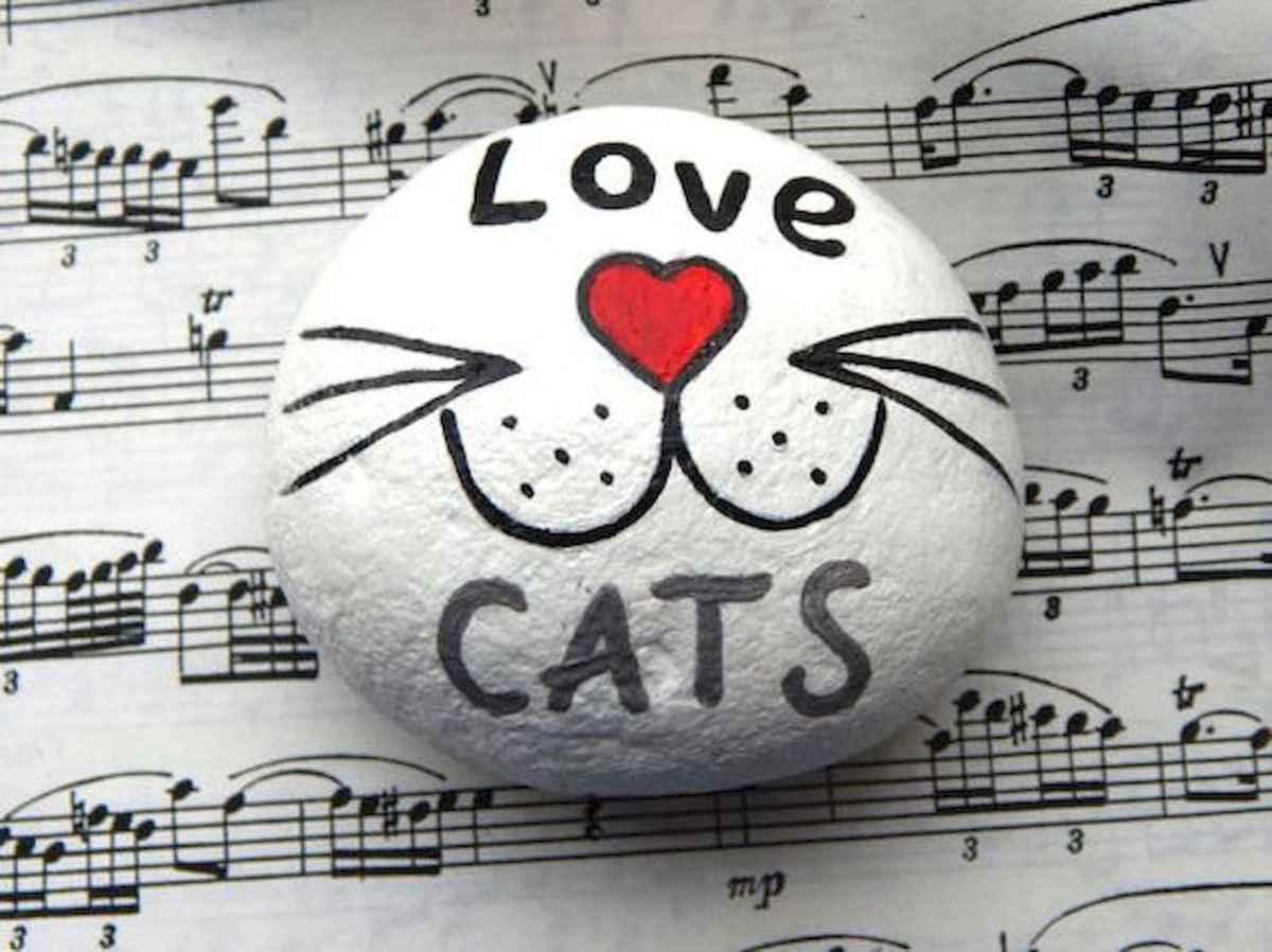 50 Inspiring DIY Painted Rocks Animals Cats for Summer Ideas (41)